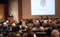 Πλάνο της αίθουσας κατά τη διάρκεια της ομιλίας του Προέδρου του Συλλόγου κ. Ελευθερίου Σκιαδά.