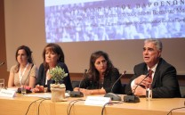 Ο Πρόεδρος του Συλλόγου των Αθηναίων κ. Ελευθέριος Σκιαδάς απαντά σε ερώτηση συνέδρου.