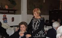 Η κ. Μίκα Κυπαρίσση με την κ. Φρέντυ Κωτσοπούλου.