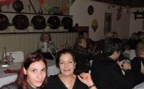 Η κ. Σοφία Παπαδοπούλου με την εγγονή της.