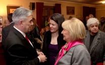 Ο Πρόεδρος του Συλλόγου με την κ. Σάκη Κυπραίου και την υποψήφια βουλευτή κ. Ιωάννα Γκελεστάθη.