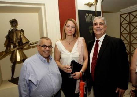 Ο Πρόεδρος του Συλλόγου κ. Ελ. Σκιαδάς με τον κ. Νίκο Χατζηγεωργίου και την κ. Ελένη Μυλωνά.