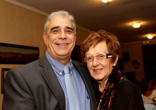 Ο Πρόεδρος του Συλλόγου των Αθηναίων κ. Ελ. Σκιαδάς με το επίτιμο μέλος του Συλλόγου κ. Ράνια Γέροντα