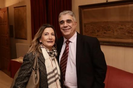 Ο Πρόεδρος του Συλλόγου των Αθηναίων κ. Ελευθέριος Σκιαδάς με την κ. Φιλοθέη Δέδε Μπενιζέλου.