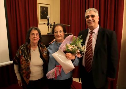 Ο Πρόεδρος του Συλλόγου των Αθηναίων κ. Ελ. Σκιαδας, στο κέντρο η κ. Σοφία Μωραϊτάκη Παπαδοπούλου και αριστερά η κ. Αλίκη Φουγιαξή.
