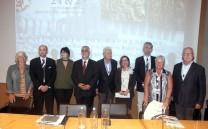 Ο Πρόεδρος του Συλλόγου των Αθηναίων κ. Ελευθέριος Γ. Σκιαδάς με μέλη των IARPS.